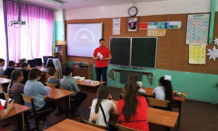 Лекции общественников по безопасности на железнодорожном транспорте прослушали более 25 тысяч школьников со всего Подмосковья.