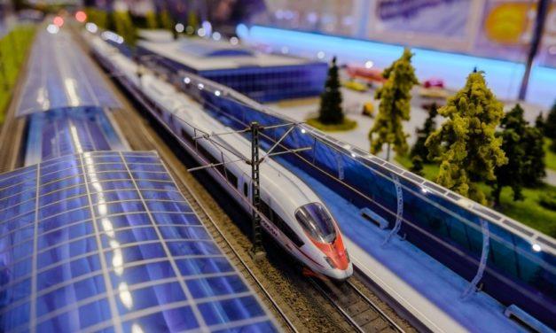 В Москву приехал «поезд-музей»: москвичи и гости столицы могут узнать историю развития железных дорог России
